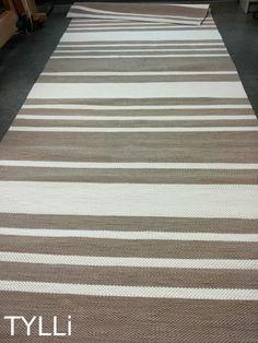TYLLi: Beigeä ja luonnonvalkoista Beige, Rugs, Home Decor, Farmhouse Rugs, Decoration Home, Room Decor, Floor Rugs, Rug, Carpets