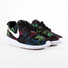 newest b9bcd ee33d Nike Roshe Run Print (Fuchsia Flash Black-White)
