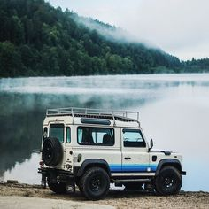 Rugged Never Smooth — gizmobennelli: Porter Classic Landrover Defender, Land Defender, Subaru, Land Rover Discovery, Discovery 5, Lifted Ford Trucks, Retro Cars, Future Car, Land Cruiser