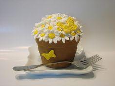 Flower Pot mini cake design for client Elegant Cupcakes, Beautiful Cupcakes, Cute Cupcakes, Wedding Cupcakes, Fancy Cakes, Mini Cakes, Fashion Cupcakes, Food Sculpture, Bag Cake