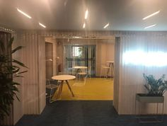 Original diseño de despacho para las oficinas fundación princesa de Girona con nuestras placas de policarbonato corrugado