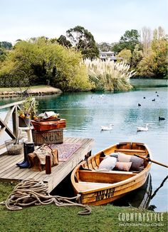 Lake House Furniture - The lake house - Country Style magazine. Your rowboat awaits, well equipped for a picnic on Lake Daylesford. Country Stil, Estilo Country, French Country, Lakeside Living, Outdoor Living, Country Style Magazine, Country Living Magazine, Cottage Shabby Chic, Haus Am See