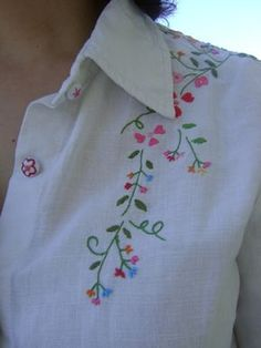 Hand Embroidery Patterns Flowers, Hand Embroidery Dress, Kurti Embroidery Design, Hand Embroidery Videos, Embroidery On Clothes, Flower Embroidery Designs, Embroidered Clothes, Hand Embroidery Stitches, Embroidery Fashion