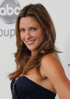I've been told by several people that this is my doppelgänger {I don't really see it} - Jill Wagner
