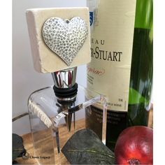 Heart gifts are perfect for wine lovers. The newest Classic Legacy heart theme gifts feature a hammered silver heart and are perfect for Valentines. Great Valentines Day Gifts, Great Wedding Gifts, Gifts For Wine Lovers, Wine Gifts, Bordeaux, Custom Wine Bottles, Wine Carrier, Wine Bottle Stoppers, Wine Decanter