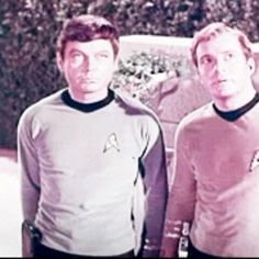 Behind scene on the set.  #startrek#tos