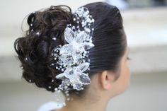 Penteado da Noiva Andressa! Lá no Blog tem mais sobre esse lindo casamento!