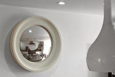Cavetto 02 Fawn Fish Eye Mirror in the entranceway