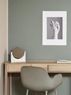 Vuoden 2017 ajankohtaiset sisustussävyt. Kaunis vihreä Nefriitti N494. Trendy colors of the year 2017.