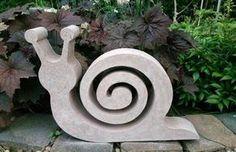 BETONGIESSFORM Dieses Prachststück von Schnecke muß in Euren Garten :-) Auf den Bildern siehst Du einmal die zu erwerbende Form (das NEGATIV), einmal das POSITIV und ein fertiges Betonobjekt....