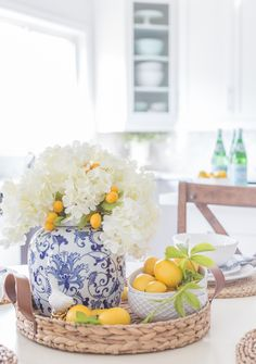 Summer Tablescape - a clean and bright design