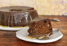 Fig preserves make this cake super moist and delicious. Use homemade or purchased fig preserves (or jam) and bake the cake in a Bundt or tube pan. Fig Recipes, Pudding Recipes, Sweet Recipes, Cake Recipes, Dessert Recipes, Recipies, Dessert Ideas, Caramel Glaze Recipe, Sweets