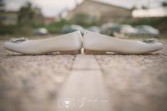 Fotos comunion - fotos originales de comunion (3) Ballet Shoes, Dance Shoes, Communion Dresses, First Communion, Family Kids, Poses, Kitten Heels, Aqua, Photography