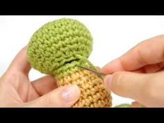 Joining two open amigurumi pieces (right-handed) - YouTube