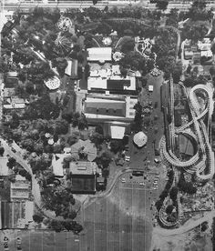 This is a place we all grew up knowing so well. Elitch Gardens was a family-owned seasonal amusement park, theater, and botanic garden in the North si. Denver City, Denver Colorado, Colorado Springs, City Pages, Scenic Photography, Photography Tips, Local History, History Facts, Birds Eye View