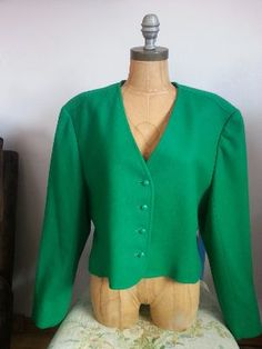 Gorgeous Emerald Green (Color of the YEAR) Pendleton wool jacket. Great for Spring and Fall!    Jacket is size 16. (Dress form in picture is S/M to give you an idea of sizing.)    Jacket is fully lined and in excellent condition!