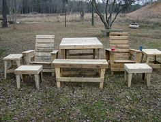 http://runabstract.hubpages.com/hub/Wood-Pallet-Building