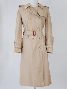 Vintage 1980s beige Burberry trench coat mac by VintageChildShop, £125.00