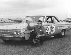 RICHARD PETTY #NASCAR #Daytona #Daytona500 #Southern500 #PlymouthSuperbird #Dodge #Chevy #Ford #Pontiac #Buick #Oldsmobile http://www.snaplap.net/driver/richard-petty/
