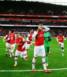 Arsenal Warm Up Before Match vs Fulham 2013-2014.