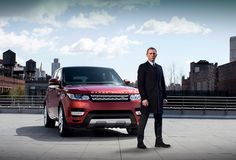 """James Bond Daniel Craig with the new Range Rover Sport. Can't beat a Land Rover Daniel Craig, Aston Martin Db10, Wallpapers Bmw, Sports Wallpapers, Widescreen Wallpaper, Future Car, Jdm, Bond Auto, Range Rover Sport 2014"