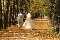 30 Trendy Wedding Photography Tips For Brides Dresses Improve Photography, Wedding Photography Tips, Photography Tutorials, Photography Poses, Wedding Shoot, Wedding Couples, Wedding Pictures, Fall Wedding, Wedding Cake