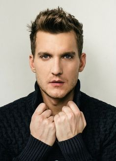 Scott Michael Foster as Nathaniel in Crazy Ex Girlfriend. Scott Michael Foster, Michael Scott, Crazy Ex Gf, Chasing Life, Crazy Ex Girlfriends, Attractive People, Female Images, Celebrity Crush, Role Models