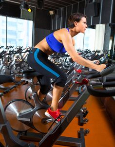 A spinning workout playlist from Soul Cycle instructor Rique Uresti. Pre Workout For Cardio, Cycling Workout, Bike Workouts, Cycling Tips, Swimming Workouts, Swimming Tips, Road Cycling, Avicii, Gorillaz
