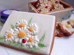 GINGERBREAD HOUSE~Spring gingerbread daisy box. Пряничная шкатулка