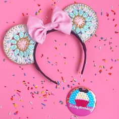 🎉🎈 **Scroll down for birthday ear sale info! The Mad HattEar turns one year old today! 🎉🎉🎉 I just wanted to… Diy Disney Ears, Disney Mouse Ears, Mickey Mouse Ears Headband, Disney Diy, Disney Crafts, Mickey Ears, Minnie, Crochet Crafts, Yarn Crafts