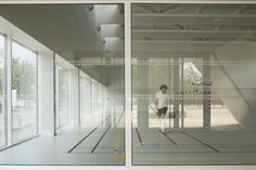 Image 11 of 16 from gallery of Asnières-sur-Seine School Gymnasium / Ateliers O-S architectes. Photograph by Cecile Septet