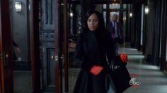 Kerry Washington with Alexander McQueen  Double Breasted Folded Drape Coat in Scandal - Season 5 Episode 13