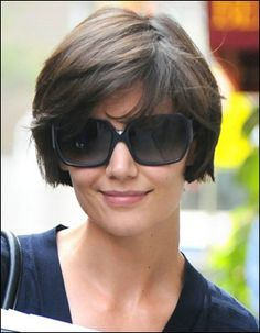 katie holmes latest short hair cuts latest short hair cuts for womens latest short hair cuts for girls latest short hair cuts in Growing Out Short Hair Styles, Short Bobs With Bangs, Short Hair Cuts, Curly Hair Styles, Short Layers, Latest Short Hairstyles, Short Bob Haircuts, Hairstyles With Bangs, Cool Hairstyles