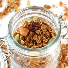 Crunchy Maple Granola - 'cause what else would you be snacking on this fall? Try this easy to make granola that adds the natural sweetness of maple syrup! Healthy Crockpot Recipes, Dog Food Recipes, Healthy Food, Eating Healthy, Vegetarian Recipes, Maple Granola Recipe, Maple Syrup Recipes, Soup Crocks, Pure Maple Syrup