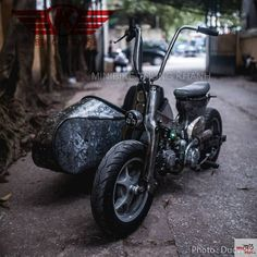 honda cub do sidecar 3 banh Custom Motorcycles, Custom Bikes, Cars And Motorcycles, Honda Cub, Street Tracker, Scooters, Stunt Bike, Cool Bikes, Rat Bikes