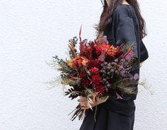 Bouquet。 オーダーありがとうございます。 . . #ブーケ #ドライフラワー #プリザーブドフラワー #プレ花嫁 #結婚準備 #結婚式準備 #花嫁準備 #挙式 #披露宴 #お色直し #前撮り #フォトウェディング #ウェディングブーケ #ブライダルブーケ #リースブーケ #ヘッドパーツ #ウェディングヘア #ブライダルヘア #ナチュラルウェディング #ウェディングドレス #カラードレス #和装 #卒花嫁 #2018秋婚 #2018冬婚 #2019春婚 #2019夏婚 #2019秋婚 #2019冬婚 #soui Wedding Bouquets, Wedding Flowers, Dried Flowers, Wreaths, Fall, Floral, Green, Inspiration, Autumn