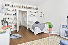 Scandinavian studio apartment Follow Gravity Home: Blog - Instagram - Pinterest - Facebook - Shop