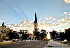 Farský Kostol Nové Zámky - Rímskokatolícky kostol Povýšenia svätého Kríža Nové Zámky