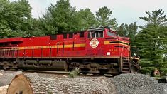 Two Heritage Units, 8114 Norfolk Southern and 8103 Norfolk & Western - YouTube Norfolk Southern, Locomotive, Trains, Dawn, Westerns, The Unit, Videos, Youtube, Locs