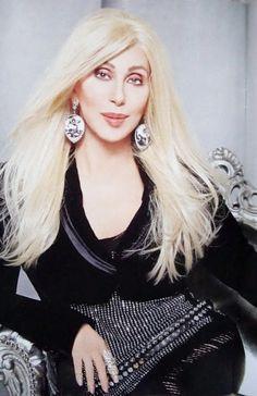 cher as a blonde? Cher Photos, I Got You Babe, Cher Bono, Pretty Females, Glamour, Female Stars, Cultura Pop, Thing 1, Female Singers