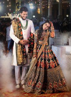 Couple Wedding Dress, Wedding Dresses Men Indian, Wedding Outfits For Groom, Indian Bridal Outfits, Indian Bridal Fashion, Indian Bridal Wear, Indian Fashion Dresses, Indian Designer Outfits, Wedding Lehenga Designs