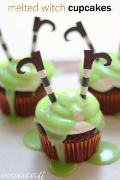 Melted Witch Cupcakes from Six Sisters' Stuff make the best Halloween party treat for school snacks or home.