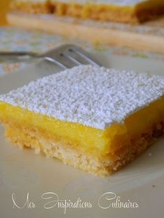 recette Carrés au citron Thermomix Desserts, Köstliche Desserts, Delicious Desserts, Pastry Recipes, Cooking Recipes, Dessert Bars, Sweet Recipes, Yummy Treats, Bakery