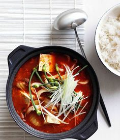 Feeling a wee bit chilly this Wednesday? We've got just the solution. This fiery recipe #kimchi jjigae soup recipe will warm you right down to the soul.