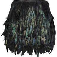 saia de plumas pretas