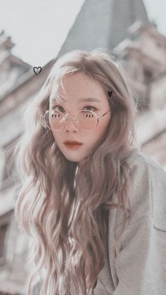 Taeyeon (태연) is a South Korean soloist under SM Entertainment. Taeyeon is currently a member of Girls' Generation (SNSD). Snsd, Seohyun, Kim Hyoyeon, Girls' Generation Tiffany, Girls' Generation Taeyeon, Girls Generation, Kpop Girl Groups, Kpop Girls, Jessica Jung