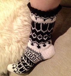 Ravelry: Matriarkka pattern by Jenni Sorri Knitting Socks, Knit Socks, Designer Socks, Baby Knitting Patterns, Ravelry, Jenni, Image, Diy, Crafts