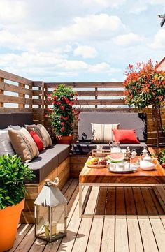 Share Gorgeous Small Balcony Design Ideas With Beautiful Garden – Whether your apartment contains a massive patio or a cozy balcony, there's a means… Balcony Design, Patio Design, House Design, Garden Design, Roof Terrace Design, Window Design, Small Balcony Garden, Small Terrace, Balcony Gardening