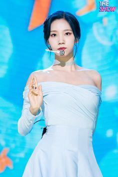 이미지 뷰어 : SBS Air Force Blue, Cosmic Girls, Starship Entertainment, Kpop Girls, Girl Group, Rapper, Disney Princess, Irene, Musicians