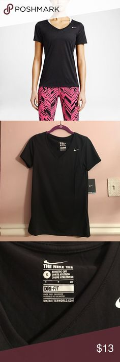 Nike Athletic Cut T Shirt Women's Nike athletic cut T-shirt Style 684683–010 Black and white 100% polyester New with tags Size small Nike Tops Tees - Short Sleeve